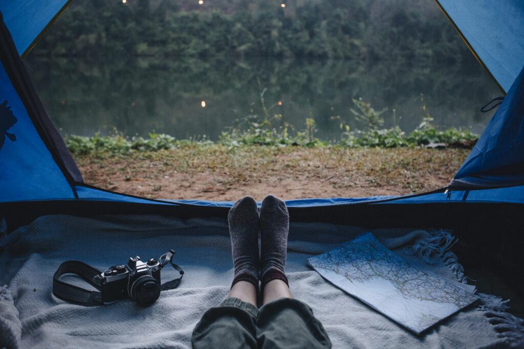 Acampada al lado del río